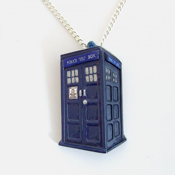 Doctor Who Tardis Pendant with Silver Chain Necklace
